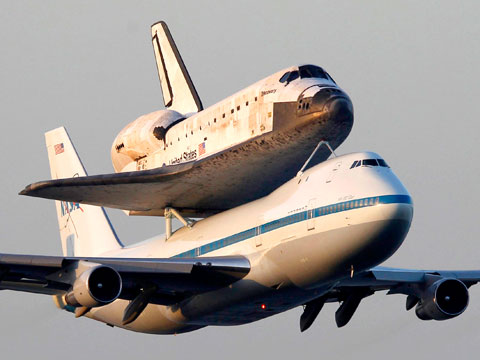 Smithsonians National Air and Space Museum Brings Space